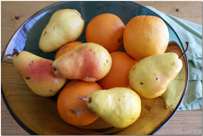 Fresh pears in bowl