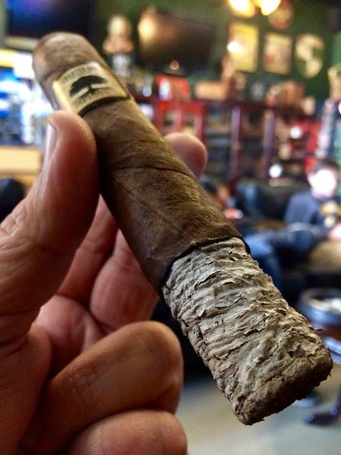 Foundation Charter Oak Grande cigar 4