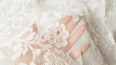 أقمشة الفساتين وأنواعها