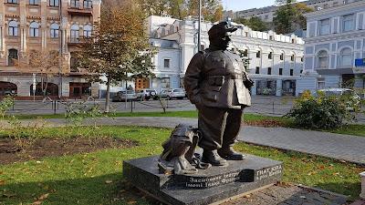 statua di soldato