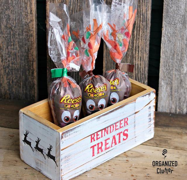 Easy DIY Stenciled Craft Shop Wood Boxes #Michaels #stencil #whitewash  #treatbox #reindeerfood #Christmasdecor #diyChristmas