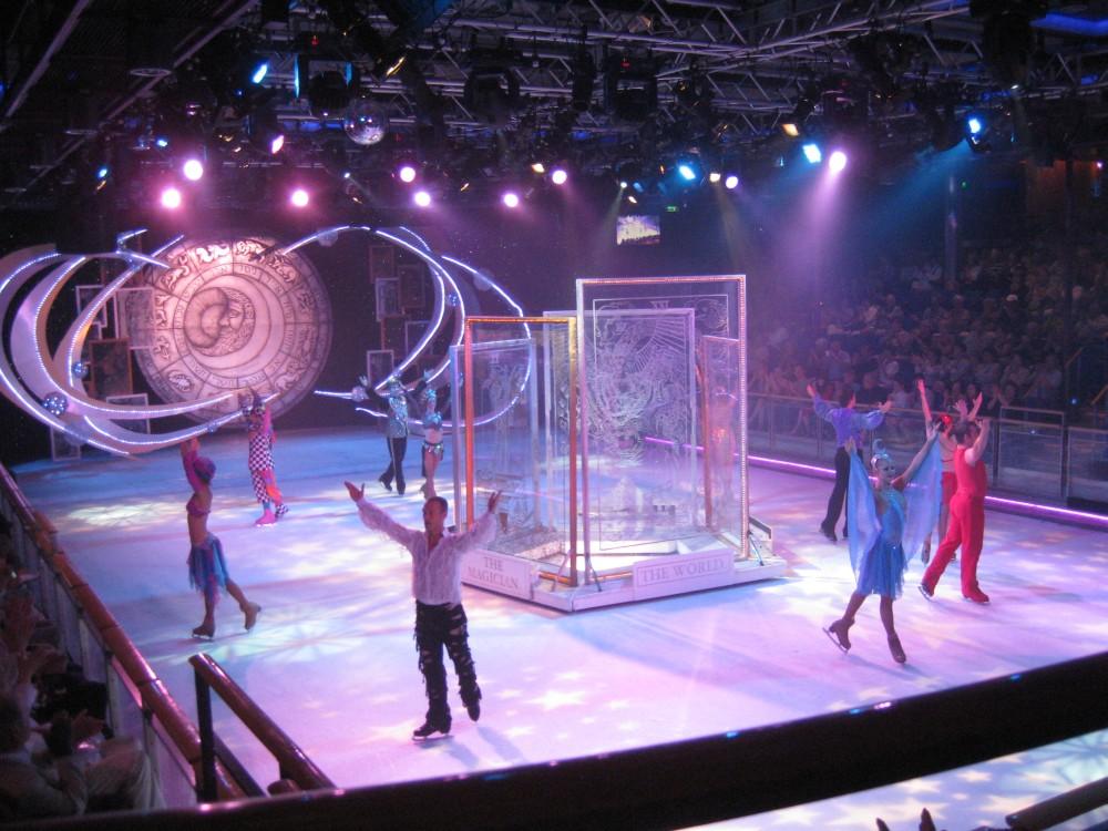 """Eislauf-Show """"Ice Odyssey"""" auf der Voyager of the Seas"""