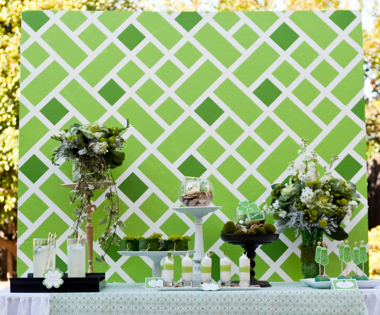 Diy Backdrop Stand For Dessert Table Honeycomb Events And Design Diy Lattice Backdrop