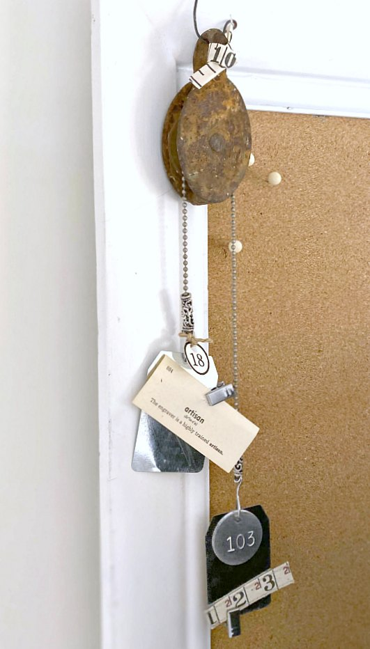 DIY rusty pulley junky memo holder
