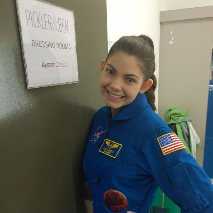 17-Year-Old Girl From NASA Is Planning To Be The First Human On Mars