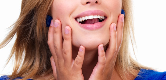 The Pros and Cons of Using Home Teeth Whitening Kits
