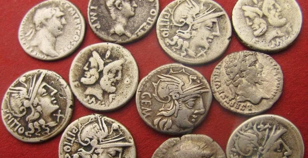 Monedas como herencia en Derecho romano