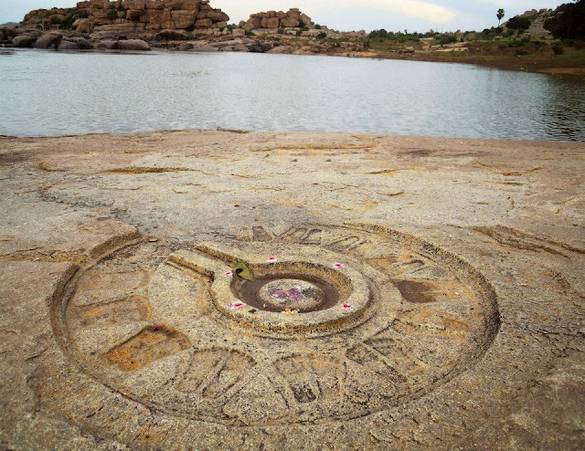 Shiva Linga along the bank of the Tungabhadra river, Hampi.
