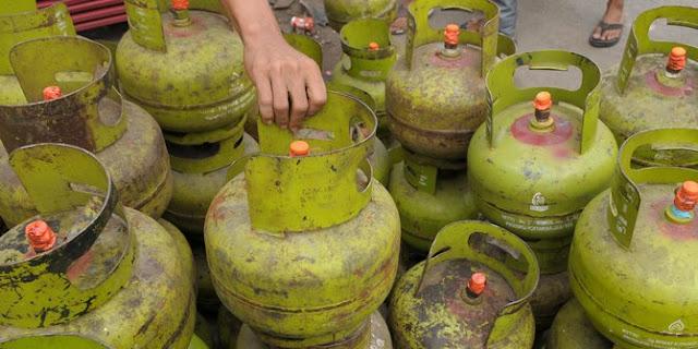 100 Hari Kerja Jokowi-Ma'ruf: Subsidi Dicabut Bikin Harga Elpiji 3 Kg Naik