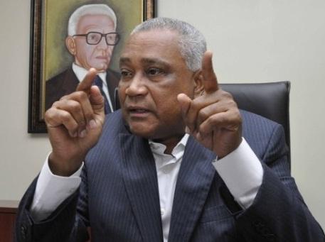 Senador Eddy Mateo dice desempleo castiga sin piedad a los barahoneros