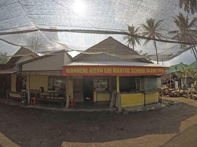 Warung Kuliner Mangut dan Sidat Goreng Bu Sriwanto