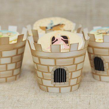 Idee desert cupcake cu bordura gen ziduri castel
