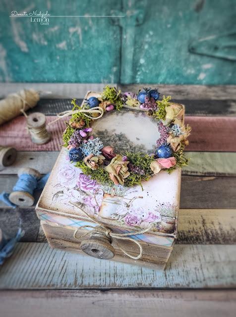 Lawendowe papiery do scrapbookingu - szkatułka handmade