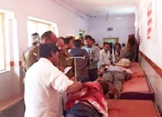 पुरानी रंजिश को लेकर दो पक्षों में चली कुल्हाड़ी व फरसे, खूनी संघर्ष में दोनों ओर के 8 लोग घायल