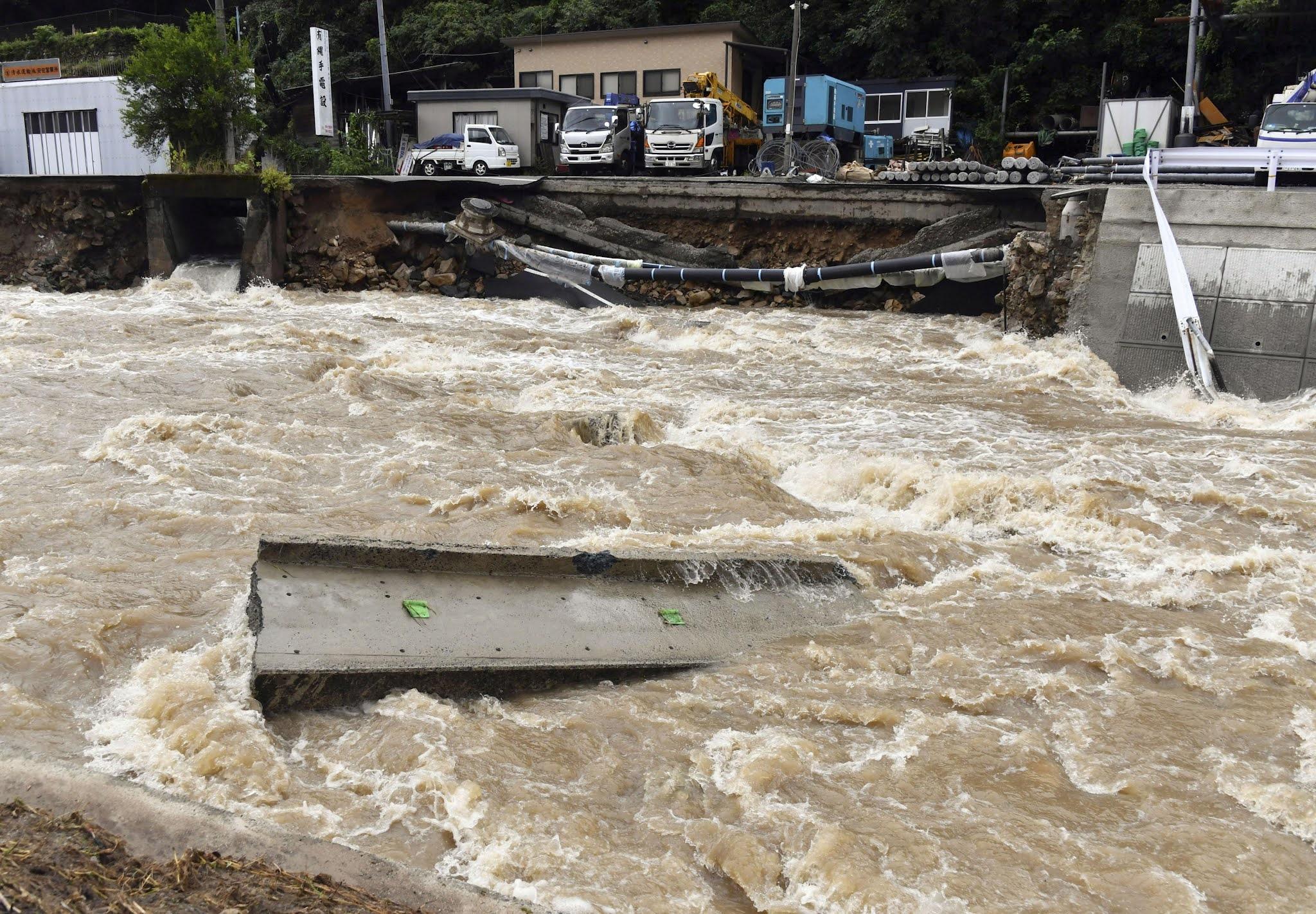Cuaca Ekstrem Hantam Jepang, Peringatan Dini Diperluas