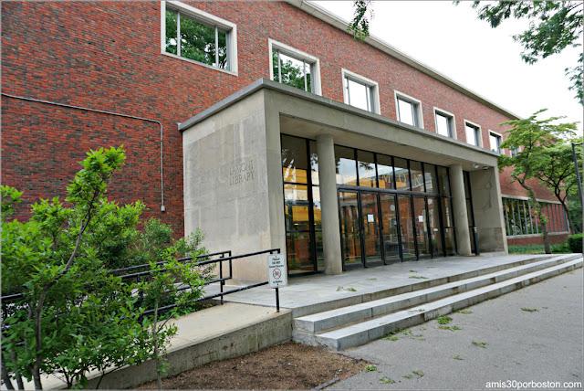 Lamont Library, Campus Principal de la Universidad de Harvard