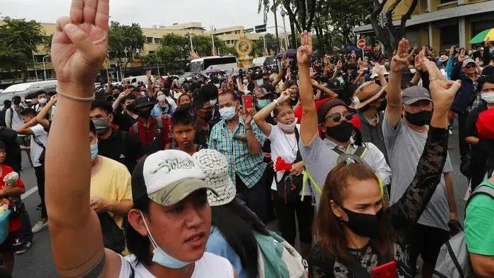 Thailand Mengumumkan Keputusan Darurat, Para Pemimpin Protes Ditangkap