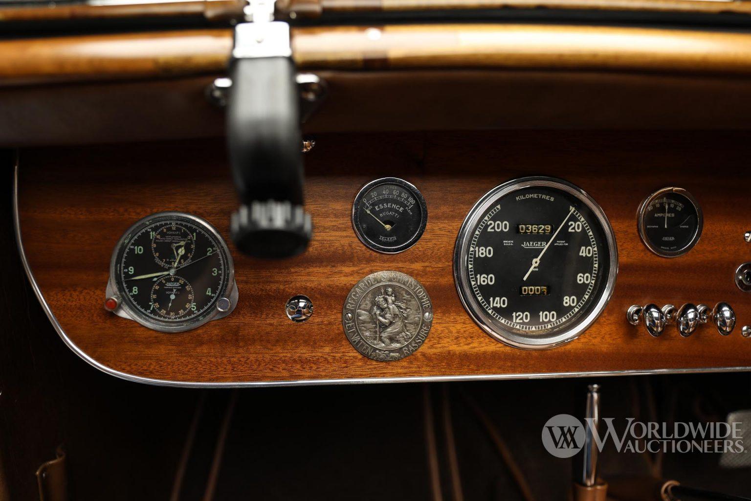 بوجاتي تايب 57 سي أتالانت كوبيه موديل 1938 عداد السرعة