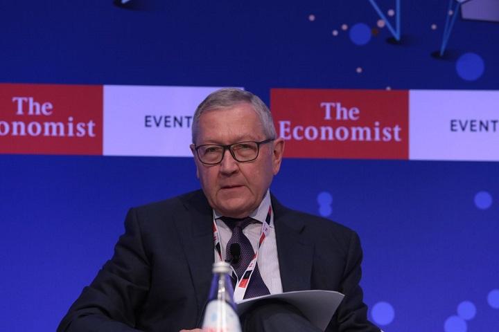 Ρέγκλινγκ: Σύνδεση της μείωση φόρων με το αφορολόγητο
