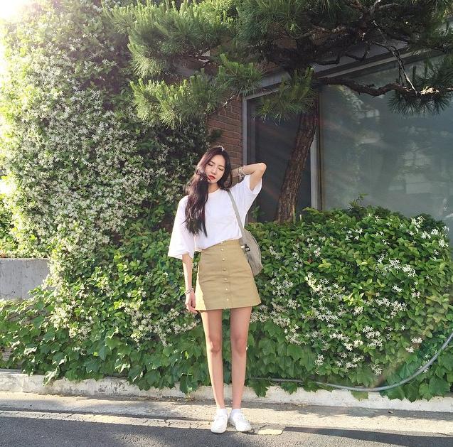 Korean girl street fashion winter
