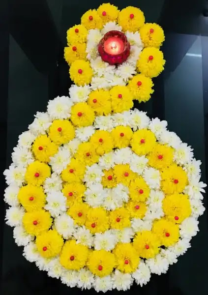 unique and cute flower rangoli