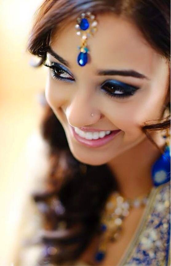 Make Up Beauty Tips And Beauty Products  BLUE EYE SHADOW PARTY EYE MAKE UP LOOK
