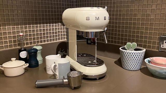 2. Smeg Espresso Coffee Maker ECF01
