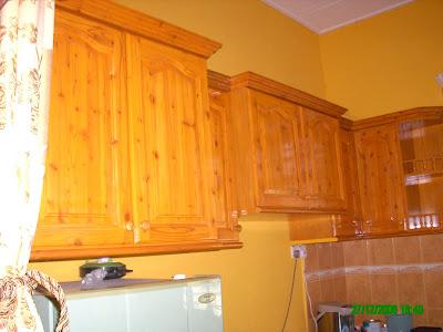 Kabinet Dapur Kayu Pine Pe01
