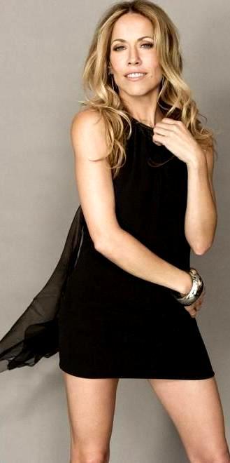 Foto de Sheryl Crow con vestido negro