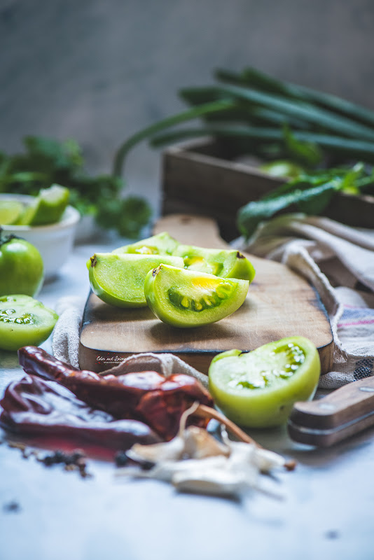 green tomatoes, food photography, food styling