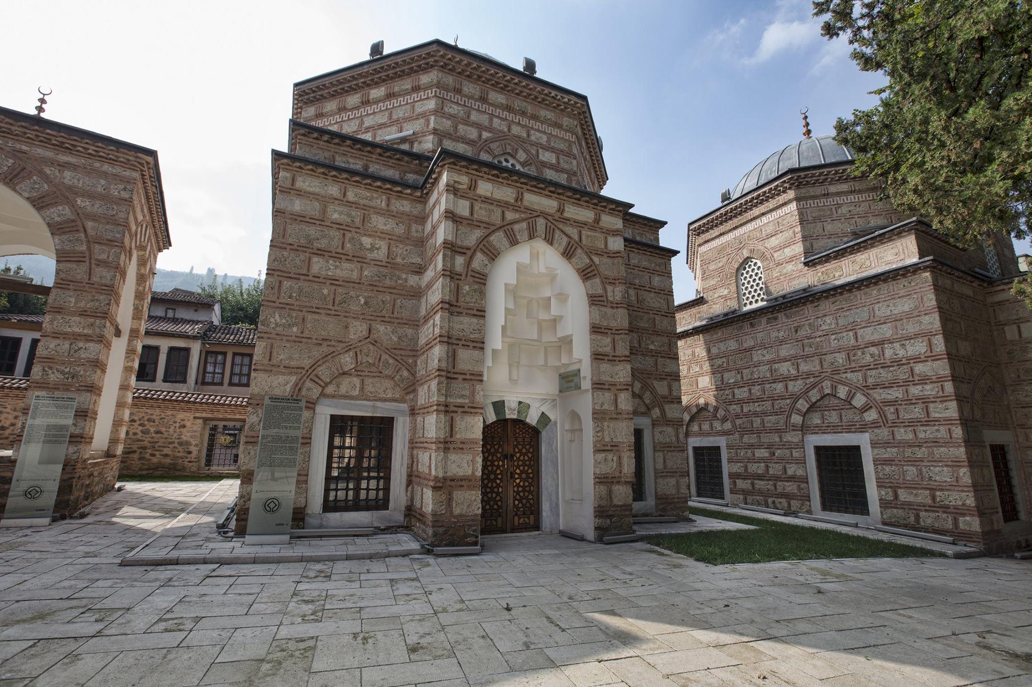 bursa'nın gezilecek tarihi yerleri muradiye külliyesi
