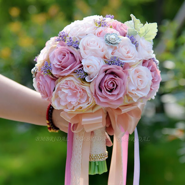 https://www.bmbridal.com/artificial-silk-rose-wedding-bouquet-in-two-tone-pink-g175?cate_2=65?utm_source=blog&utm_medium=rapunzel&utm_campaign=post&source=rapunzel
