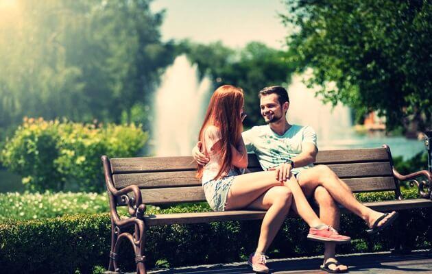 menyatakan cinta di taman