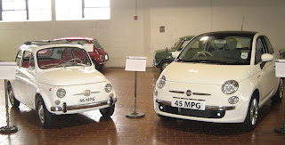 Photo of old and new Fiat 500s