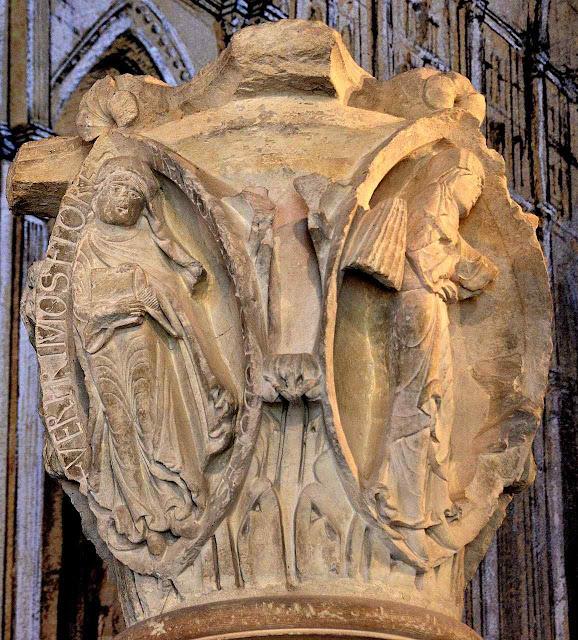 Capitel de uma das colunas do deambulatório de Cluny.