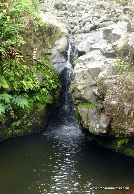 cascadas en la isla san miguel azores