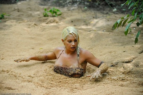 naked jungle girl quicksand