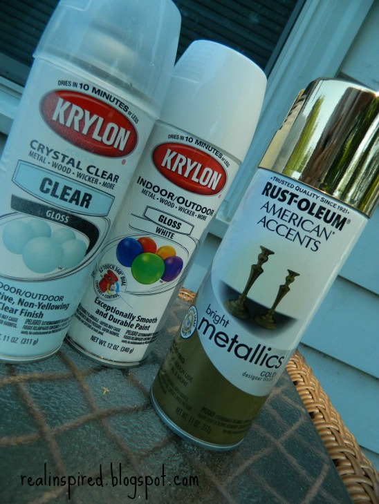 An easy DIY tutorial for how (NOT) to paint a ceramic lamp with Krylon primer, clear gloss, and Rustoleum indoor/outdoor and metallic spray paints.