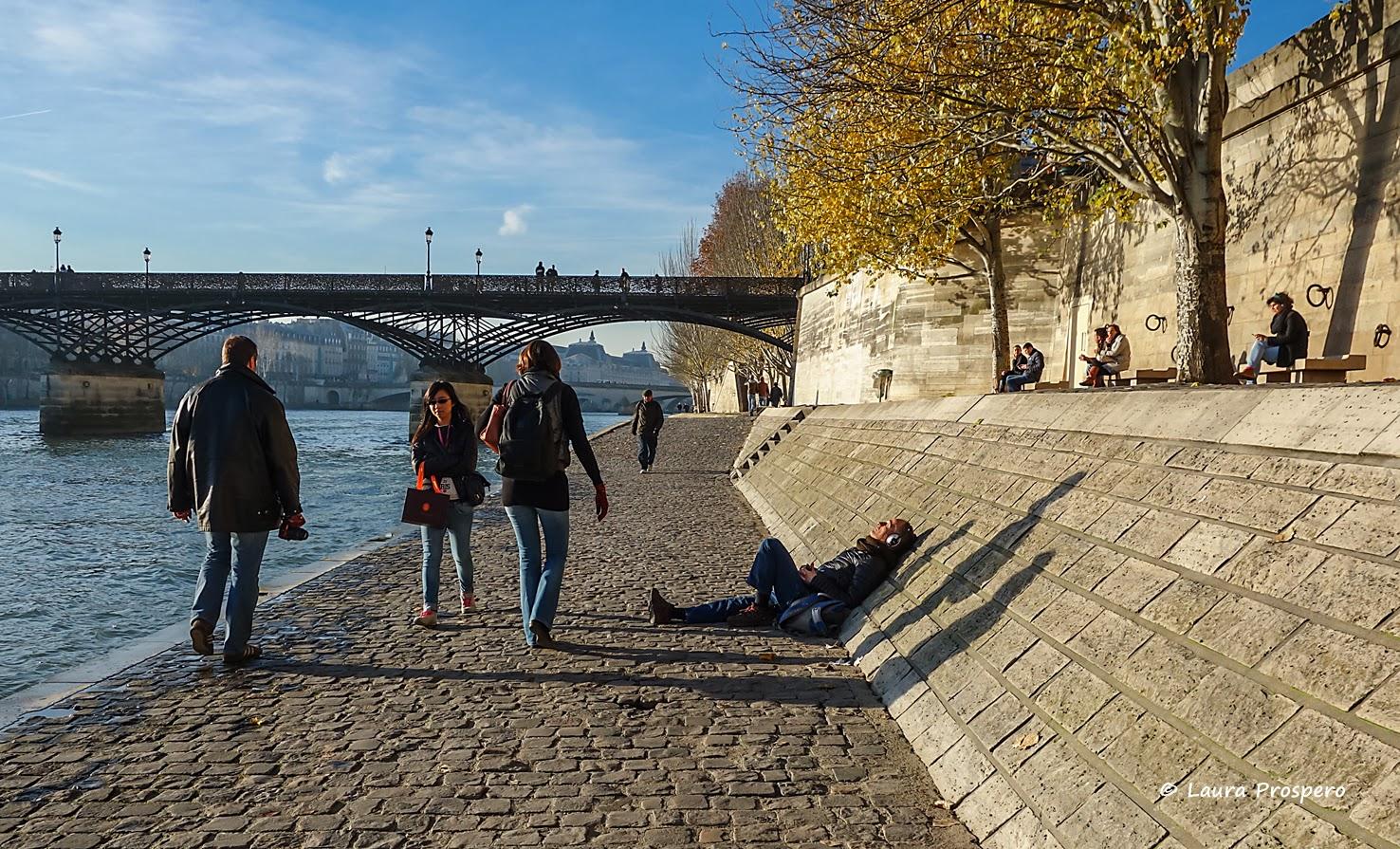 Cena de outono à beira do rio Sena, Paris © Laura Próspero