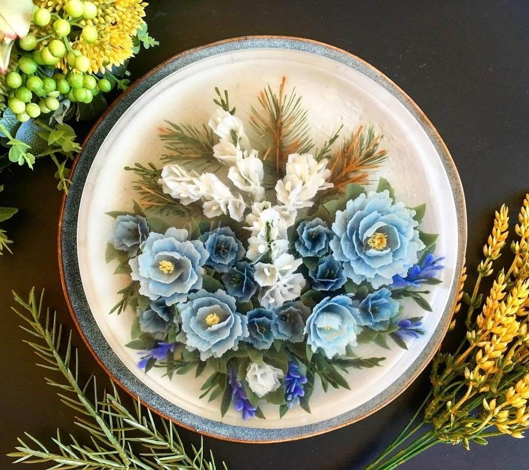 05-Blue-Floral-Arrangement-Siew-Heng-Boon-Flowers-in-Food-Art-3D-Jelly-Cakes-www-designstack-co