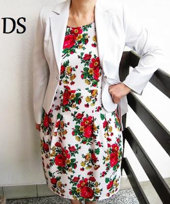 Sukienka w kwiaty ciastka róże