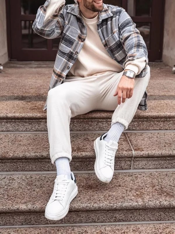 Sweatshirts with track pants