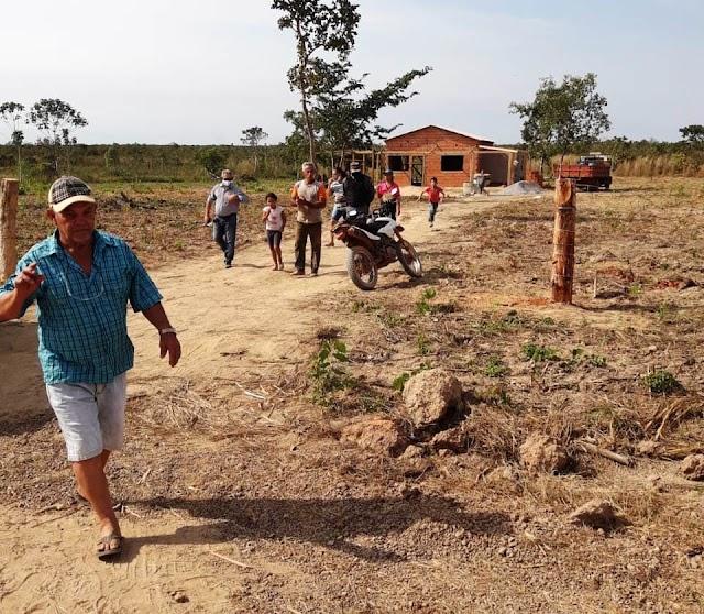 Prefeitura retoma reparos em estradas impedidas por vereador na Forquilha do Manso