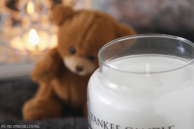 nowa świeca yankee candle soft blanket widok z góry
