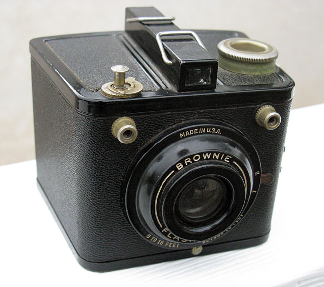 photography vintage film cameras kodak brownie flash six 20. Black Bedroom Furniture Sets. Home Design Ideas