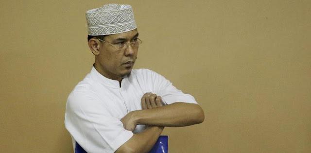 Munarman: Presiden Jokowi Yang Hanya Bisa Perintahkan TNI Mencopot Baliho Habib Rizieq