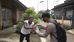 Minimalkan Penularan, Satgas COVID Kabupaten Batang Lakukan Penyemprotan dan Bagi Masker Gratis