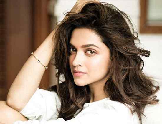 Artis Bollywood India Paling Cantik Deepika Padukone