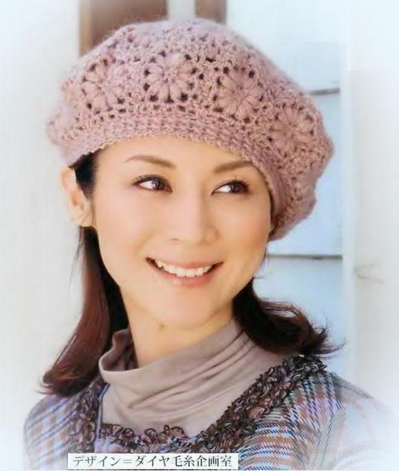 Crochet beret for women - simple flower crochet motif