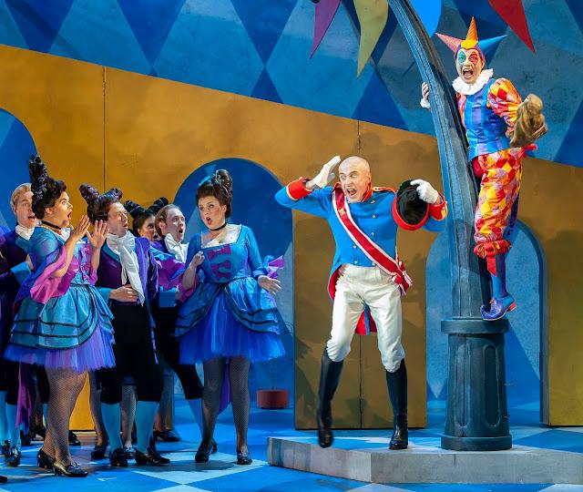 Offenbach: Fantasio - Timothy Robinson, Hanna Hipp - Garsington Opera 2019 (Photo John Snelling)